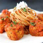 Yummilicious meat balls in sauce!